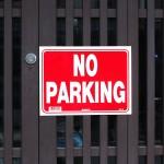借りている駐車場に知らない車が止まっていたときの対処方法